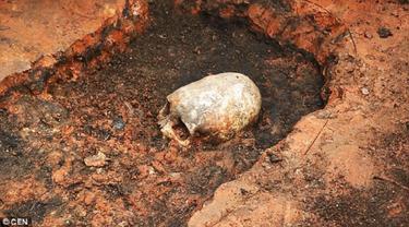 Kerangka Wanita `Alien` Ditemukan di Bumi