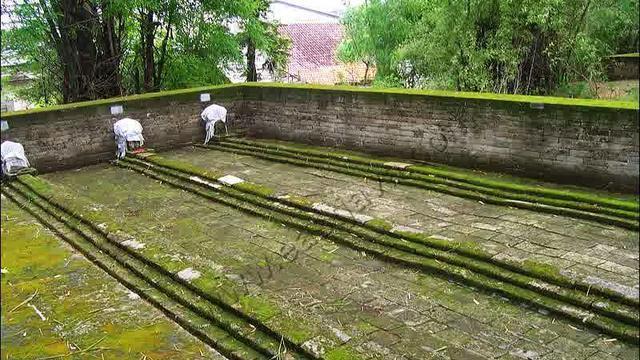 Hasil gambar untuk MAkam paman siti fatimah di leran, gresik