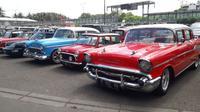 Deretan mobil klasik di event Classic for The Yo.ung Generation. (Yurike/Liputan6.com)