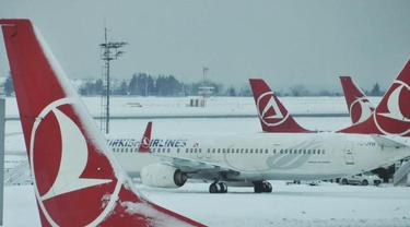 Pesawat Kargo Turki Jatuh Timpa Rumah Warga, 36 Orang Tewas