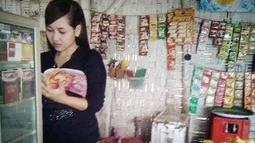 Di Jawa Timur tepatnya di Ponorogo, ada penjual kopi berparas cantik bernama Risma (Istimewa)