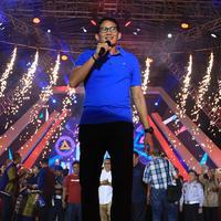 Bukan hanya sejumlah musisi dan selebriti, perayaan tahun baru 2018 juga dimeriahkan oleh Sandiaga Uno, sang Wakil Gubernur DKI Jakarta, di panggung Gempita 2018 tadi malam di Pantai Karnaval Ancol. (Deki Prayoga/Bintang.com)