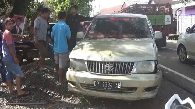Sebuah minibus pemudik yang akan rayakan Natal di kampung halaman alami kecelakaan di Jalur Trans Sulawesi. Tercatat belasan orang terluka akibat kejadian ini.