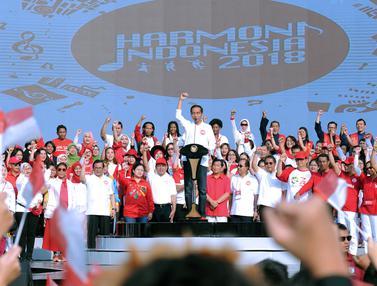 Presiden Jokowi Bernyanyi Bersama di Harmoni Indonesia 2018