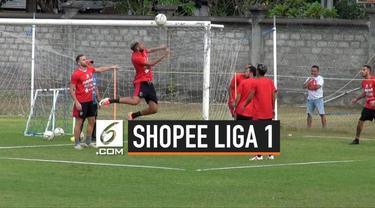 Bali United selangkah lagi meraih predikat juara paruh musim Shopee Liga 1 2019. Pasukan Tridatu masih kukuh di puncak klasemen sementara dengan raihan 37 poin sampai berakhirnya pekan ke-16.