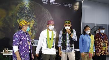 Kementerian Pariwisata dan Ekonomi Kreatif bersama MRT Jakarta berkolaborasi untuk meningkatkan pariwisata ke Labuan Bajo dengan menggelar pertunjukan tarian khas Pulau Komodo, Animal Pop Komodo Di Stasiun MRT Bundaran HI.