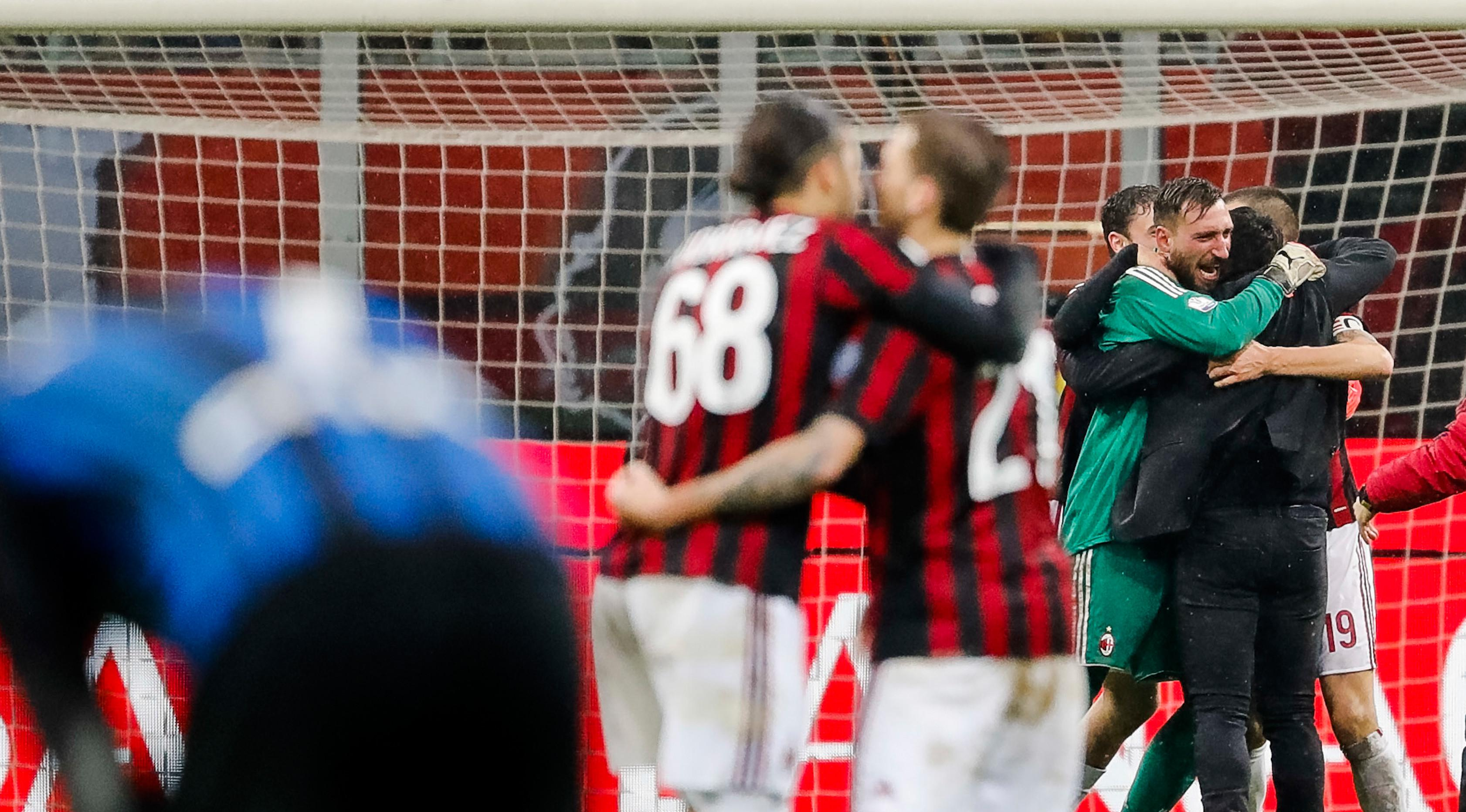 Kepercayaan diri pemain AC Milan bangkit usai mengalahkan Inter Milan. (AP/Antonio Calanni)