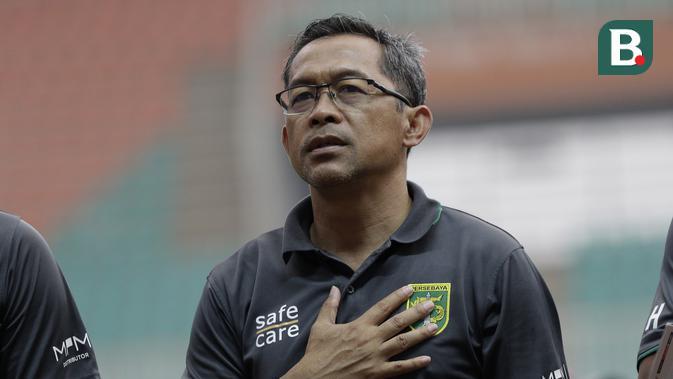 Pelatih Persebaya Surabaya, Aji Santoso. (Bola.com/Yoppy Renato)