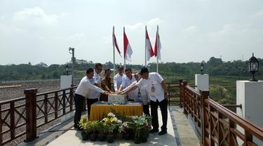 Kementerian PUPR melakukan proses pengisian air atau impounding Bendungan Sindangheula di Kabupaten Serang, Banten, pada Senin (25/11/2019).
