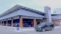 Skema ganjil-genap di Gerbang Tol Bekasi Barat dan Bekasi Timur mendongkrak penjualan mobil bekas di wilayah Jabodetabek. (Septian/Liputan6.com)