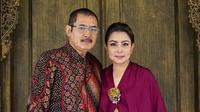 Rumah tangga Mayangsari dan Bambang Trihatmodjo kini hampir tak pernah diterpa gosip. Meskipun awalnya sempat menggegerkan publik karena Mayangsari yang menjadi orang ketiga dalam rumah tangga Bambang dan Halimah Agustina Kamil. (Instagram/mayangsari_official)