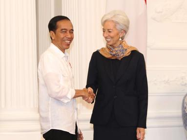 Presiden Joko Widodo (Jokowi) menerima kunjungan Direktur Pelaksana Dana Moneter Internasional (IMF) Christine Lagarde di Istana Merdeka, Senin (26/2). Kunjungan terkait dengan IMF-World Bank Annual Meeting Oktober 2018 di Bali (Liputan6.com/Angga Yuniar)
