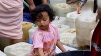 Isak tangis keluarga mewarnai kedatangan ratusan jemaah haji di Magelang hingga kemarau di Temanggung membuat penderitaan berbagai kalangan.
