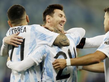 Argentina sukses meraih kemenangan besar dengan skor 4-1 atas Bolivia pada laga kelima Grup A Copa America 2021 di Stadion Arena Pantanal, Brasil, Selasa (29/6/2021). (AP/Bruna Prado)