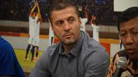 Miljan Radovic akan memimpin sesi latihan perdana Persib pada Senin (14/1/2019) mendatang. (Huyogo Simbolon)
