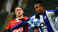 Pemain bertahan FC Porto, Eder Militao, santer disebut masuk dalam daftar belanja Manchester United pada Januari 2019. (AFP/Alexander Nemenov)