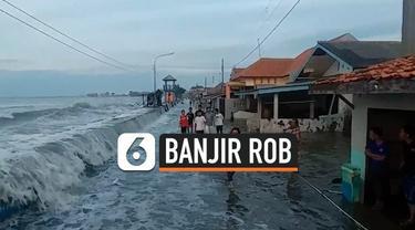 Gelombang pasang yang melanda pesisir pantai Pekalongan, membuat terjadinya banjir Rob di sebagian Kota Pekalongan. Gelombang Pasang menghancurka kios dan warung milik warga.