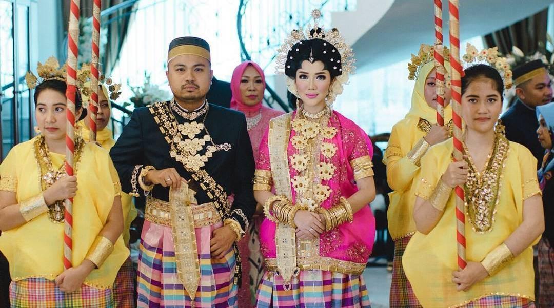 Tistha Nurma dan Afie Kalla menikah [foto: Instagram/tityhatta]