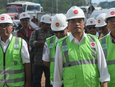 20170108-Menhub Tinjau Proyek LRT Jabodetabek-Jakarta