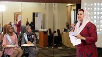 Dalam ajang pencarian bakat Puteri Muslimah Indonesia 2017, nama Yenny Wahid didapuk menjadi salah satu juri di dalamnya. Tidak hanya sekedar memberi penilaian, Yenny pun ternyata memiliki harapan tersendiri. (Deki Prayoga/Bintang.com)