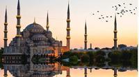 Bliue Mosque di Istanbul, Turki. (dok.Instagram @stuguide/https://www.instagram.com/p/BxcVIrnlUaW/Henry