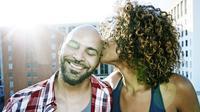 Apa yang tidak pernah dilakukan pasangan menikah yang berbahagia? Simak ulasannya di sini.