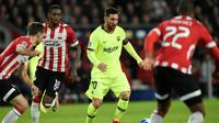 Barcelona menghadapi PSV Eindhoven pada laga kelima Grup B Liga Champions, di Philips stadion, Rabu (28/11/2018) malam waktu setempat. (AFP/John Thys)