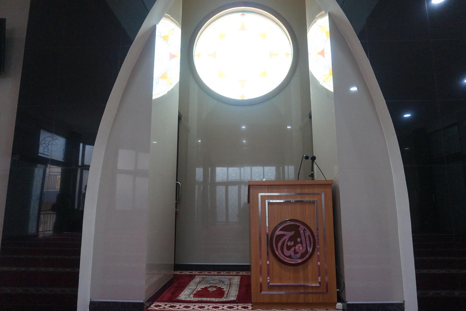 Masjid Al Fath di dalam kompleks Setra Duta, Bandung. Foto: (Huyugo Simbolon/Liputan6.com)