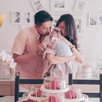 Sharena belum mengijinkan anaknya ditindik. (Instagram/mrssharena)