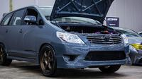 Toyota Innova bermesin Supra (Autoindustriya)