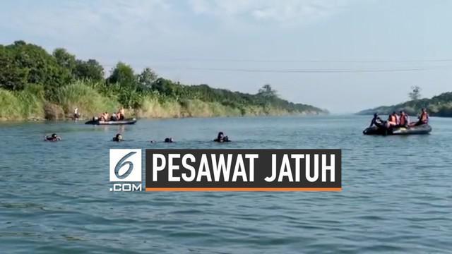Tim SAR gabungan melanjutkan pencarian korban pesawat cesna yang jatuh di sungai Cimanuk Jawa Barat Selasa (23/7) pagi. Lebih dari 100 personil dikerahkan dalam pencarian ini.