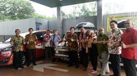 Toyota Kijang Club Indonesia (TKCI), Veloz Community (Velozity), dan Toyota Sienta Community Indonesia (Tosca) sukses melakukan perjalanan 8 ribu km. (Arief/Liputan6.com)