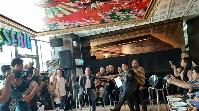 Kisruh antara Garuda Indonesia dengan youtuber Rius Vernandes akhirnya berujung damai. (Liputan6/Yopi)
