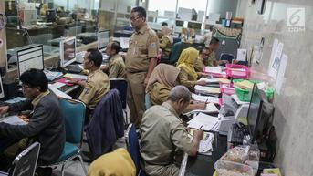 Anies Pecat PNS Sekretariat Kota Jakbar yang Terbukti Korupsi