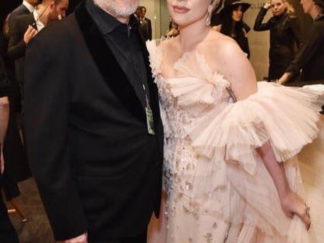 Lady Gaga Kirim Sekotak Oreo Bagi Papa Di Hari Ayah Lifestyle Liputan6 Com