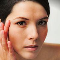 Masker bawang dapat membantu Anda menyamarkan noda hitam di wajah
