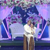 Resepsi pernikahan Dewi Perssik dan Angga Wijaya (Bambang E. Ros/bintang.com)`