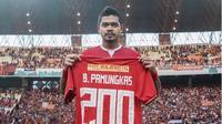 Bambang Pamungkas mengaku bahagia bisa mencetak gol ke-200 untuk Persija Jakarta dalam laga leg pertama semifinal Piala Indonesia 2018 melawan Borneo FC. (dok. Persija Jakarta)