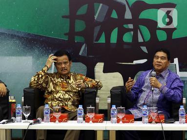 Komisioner Bawaslu RI Rahmat Bagja, Anggota MPR dari Kelompok DPD Teras Narang, Anggota Fraksi Demokrat MPR RI Achmad Msi dalam Diskusi Empat Pilar MPR di Kompleks Parlemen Senayan, Jakarta, Rabu (4/12/2019). Diskusi mengangkat tema Menuju Pilkada Serentak 2020. (Liputan6.com/Johan Tallo)