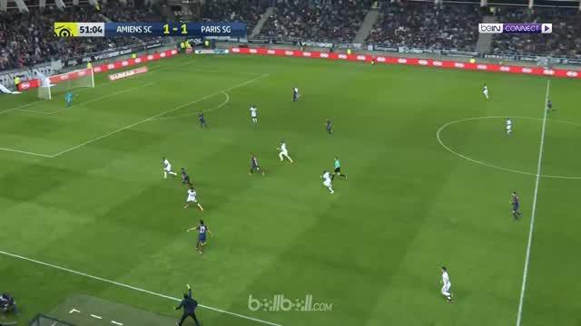 Moussa Konate membuyarkan kemenangan Paris Saint-Germain (PSG) lewat dua golnya yang memaksa juara Liga Prancis hanya bermain imba...