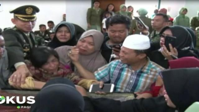 Panglima TNI Marsekal Hadi Tjahjanto di Jakarta mengatakan menyatakan akan mengusut kasus penembakan ini.