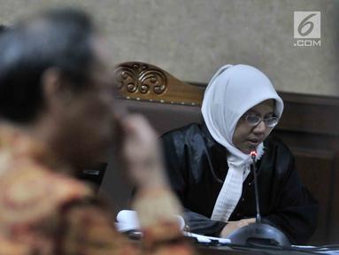 Jaksa Penuntut Umum saat membacakan dakwaan saat sidang perdana Irvanto Hendra Pambudi Cahyo dan Made Oka terkait kasus fee korupsi e-KTP di Pengadilan Tipikor, Jakarta, Senin (30/7). (Merdeka.com/Iqbal S Nugroho)