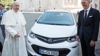 Paus Fransiscus Dapat Opel Listrik Untuk Popemobile Baru (Foto:Carscoop)