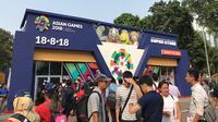 Para pengunjung di Stadion Gelora Bung Karno jelang pembukaan Asian Games 2018 (Foto: Ahmad Fawwas Usman/Liputan6.com)