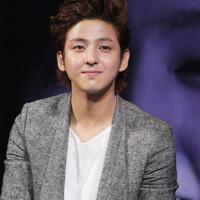 Kibum resmi tinggalkan Super Junior (via dramafever)