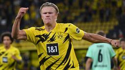 1. Erling Braut Haaland (6 gol) - Erling Haaland terus menunjukan ketajamannya bersama Borussia Dortmund di kompetisi Liga Champions musim ini. Penyerang berusia 20 tahun ini telah mengoleksi enam gol dan dipastikan akan terus bertambah. (AFP/Ina Fassbender)