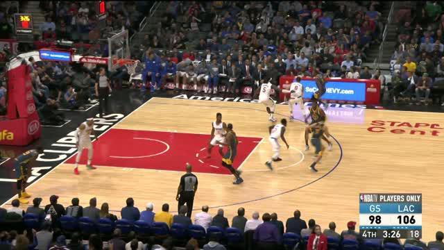 Lou Williams mencetak 25 poin dan enam assist untuk memimpin Clippers menang atas Warriors dalam perpanjangan waktu, 121-116.