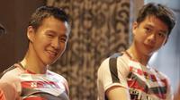 Pebulutangkis Indonesia Kevin Sanjaya dan Marcus Gideon saat jumpa dengan content creators di Jakarta, Selasa (24/7/2018). Acara tersebut dalam rangka memberi dukungan untuk para atlet jelang Asian Games 2018. (Bola.com/M Iqbal Ichsan)