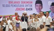 Capres nomor urut 01 Joko Widodo memakai helm saat menghadiri Deklarasi Dukungan 10.000 Pengusaha untuk Jokowi-Ma'ruf Amindi Istora Senayan GBK, Jakarta, Kamis (21/3). Deklarasi dihadiri pengusaha skala kecil sampai besar. (Liputan6.com/Faizal Fanani)