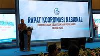 Menteri Kelautan dan Perikanan Edhy Prabowo akan  membuka ekspor benih lobster. Alasannya  80 persen impor benih lobster di Vietnam berasal dari Indonesia tetapi dikirim oleh Singapura.